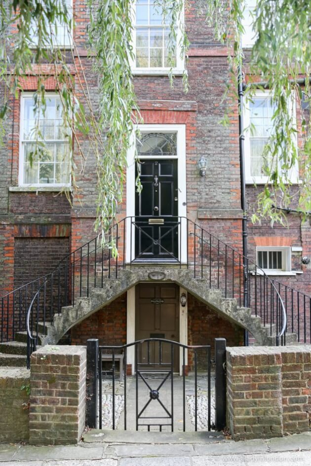 Elm Row, London