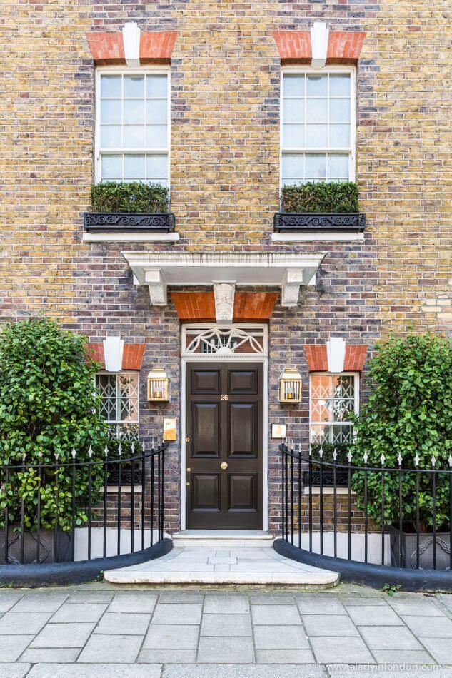 Door in Victoria, London